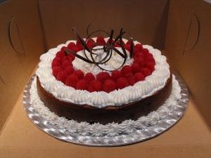 darkchocolatelindttruffleandraspberrycheesecake